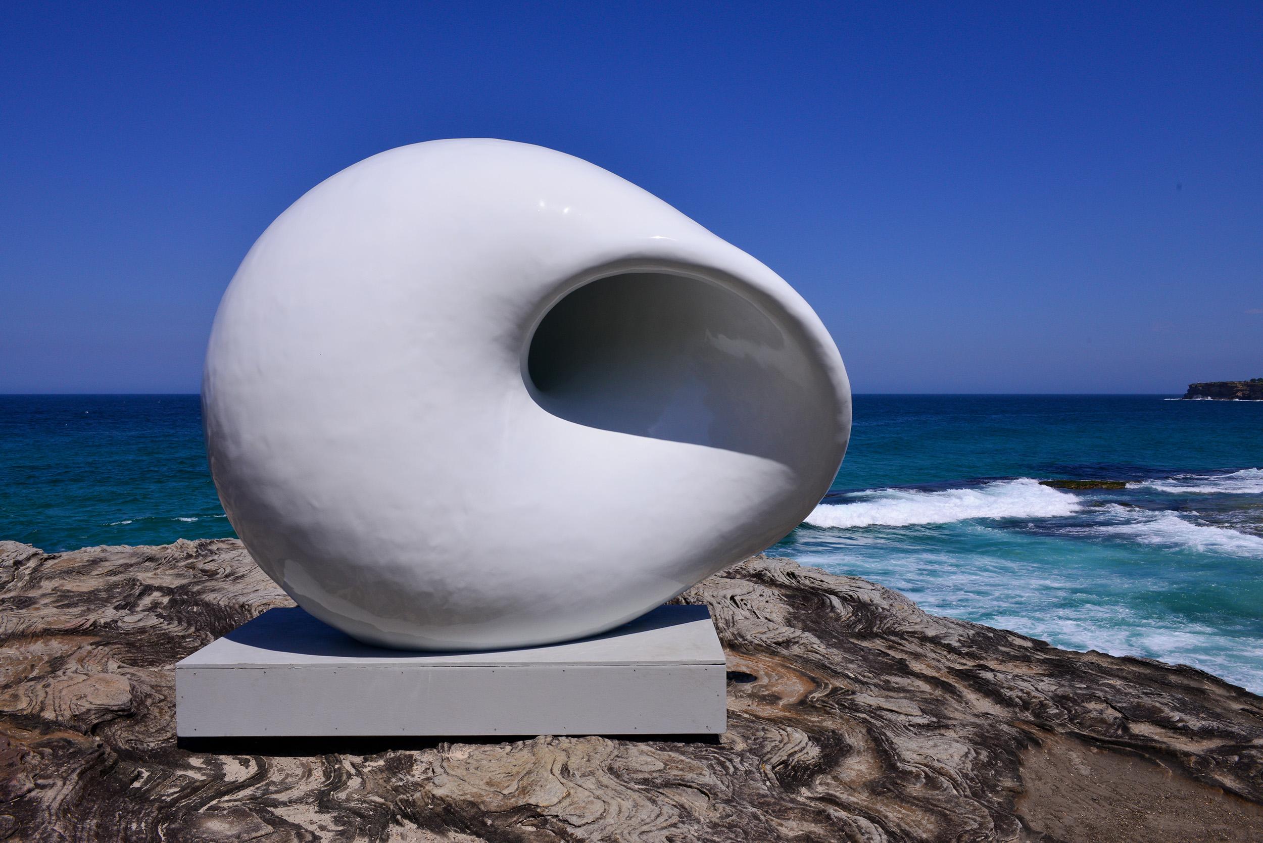 Arissara Reed & Davin Nurimba, acoustic chamber, Sculpture by the Sea, Bondi 2015. Photo Clyde Yee