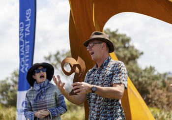 Artist Talks Johannes Pannekoek, Artist Talks with Sonia Payes, Sculpture by the Sea, Bondi 2017. Photo Jessica Wyld