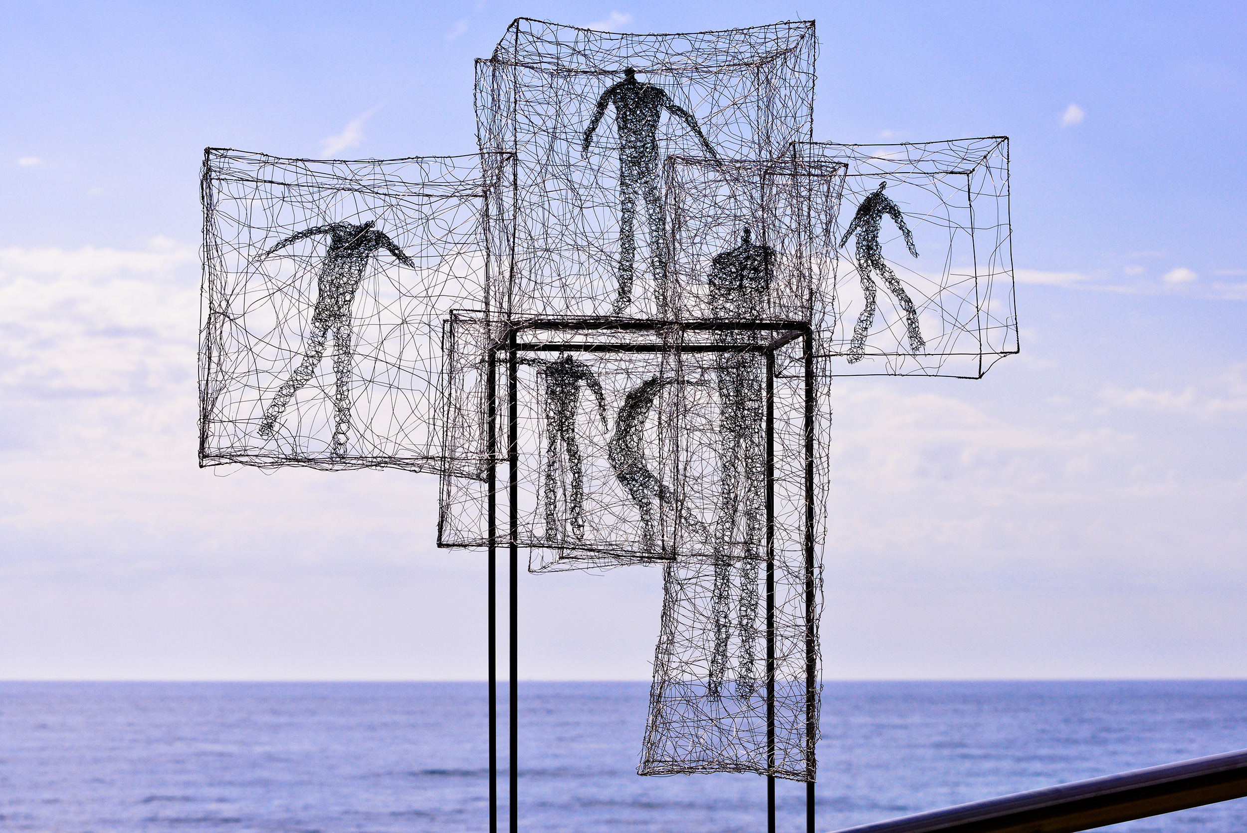 Barbara Licha, Listen time passes, Sculpture by the Sea, Bondi 2015. Photo Clyde Yee