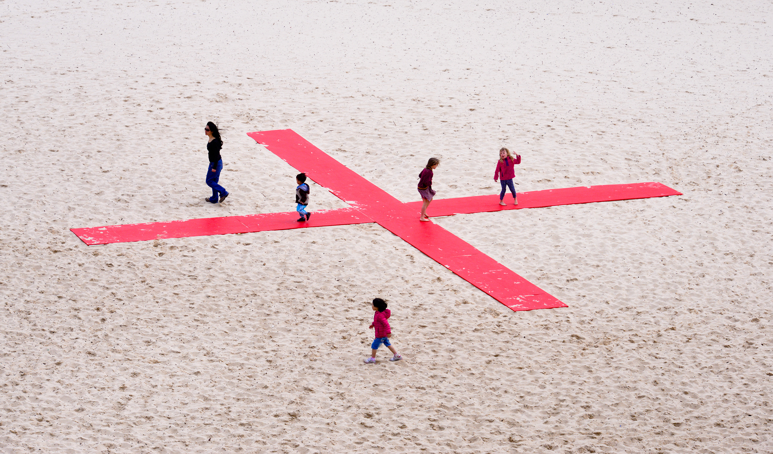 Sarah Fitzgerald, x, Sculpture by the Sea, Bondi 2015. Photo Clyde Yee