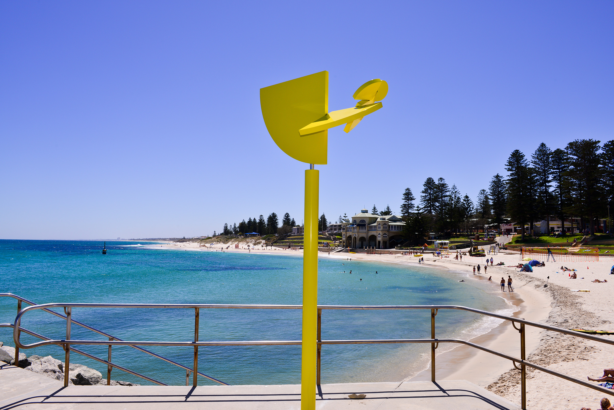 Ivan Black, Golden Section, Sculpture by the Sea, Cottesloe 2016. Photo Clyde Yee