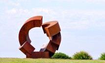 Jörg Plickat, divided planet, Sculptuer by the Sea, Bondi 2015. Photo Clyde Yee