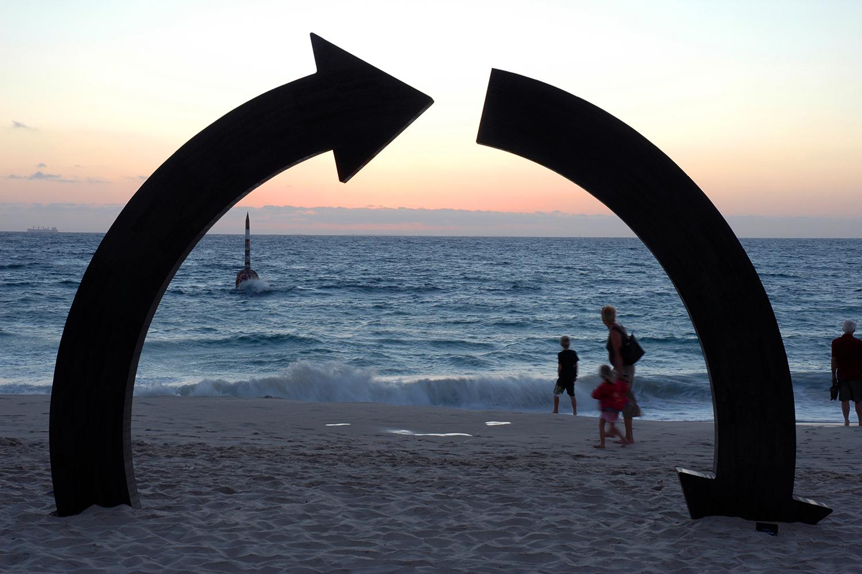Jennifer Cochrane, roundabout (monument series)