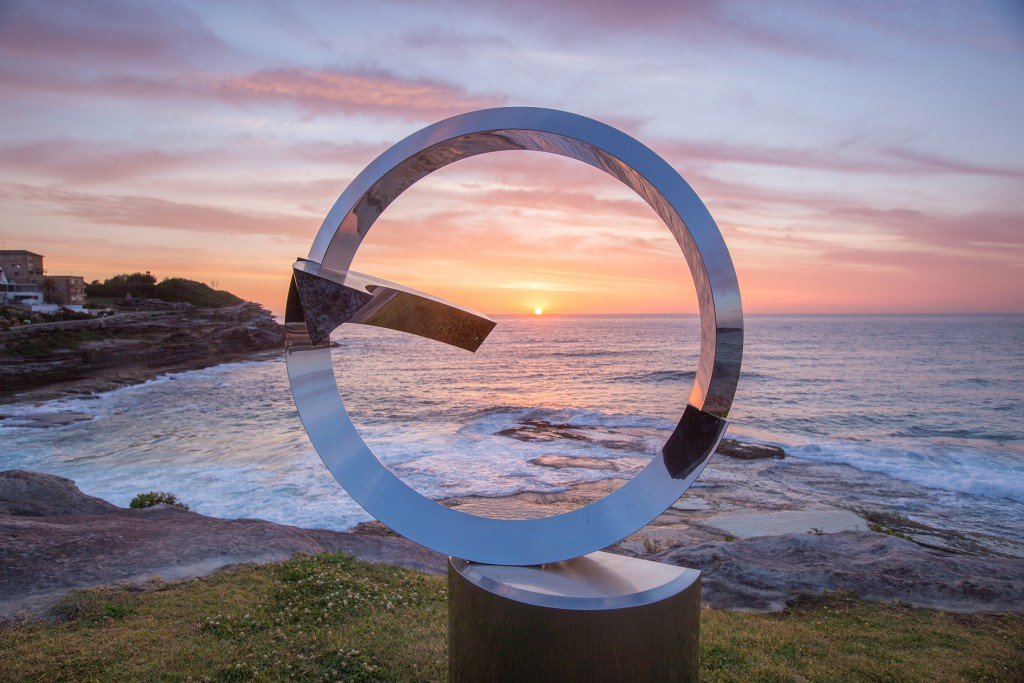 Koichi Ishino, windstone, Sculpture by the Sea, Bondi 2014. Photo Gareth Carr