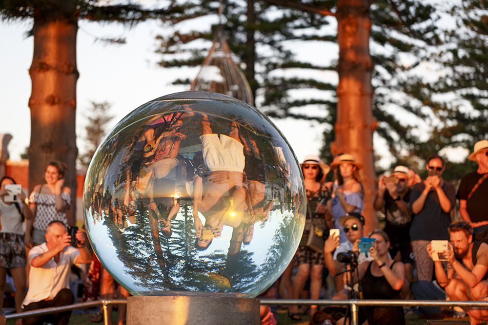 Lucy Humphrey, Horizon, Sculpture by the Sea, Cottesloe 2017. Photo Jessica Wyld