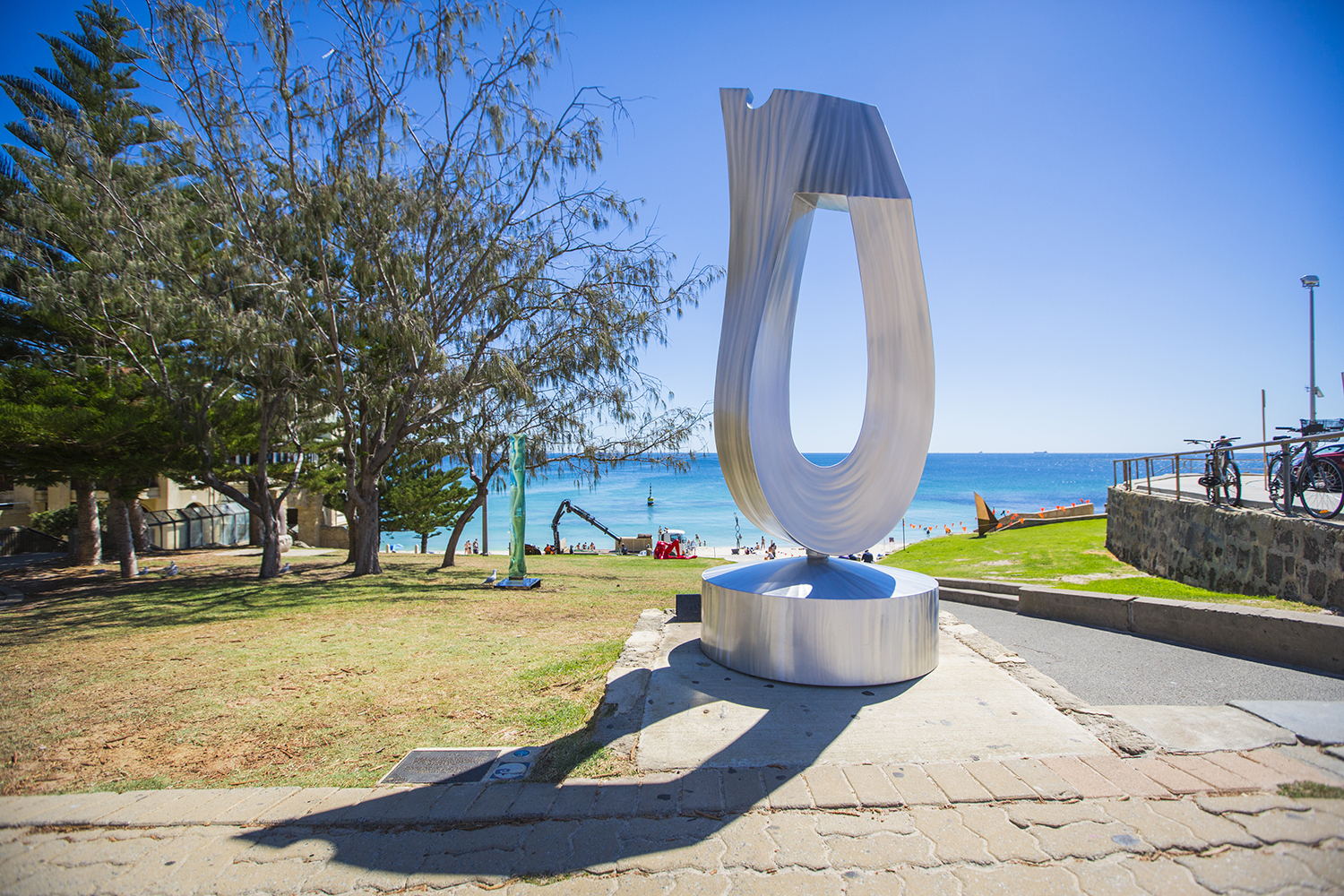 R.M. (Ron) Gomoc (WA), cycle of life, Sculpture by the Sea, Cottesloe 2015. Photo Jessica Wyld.