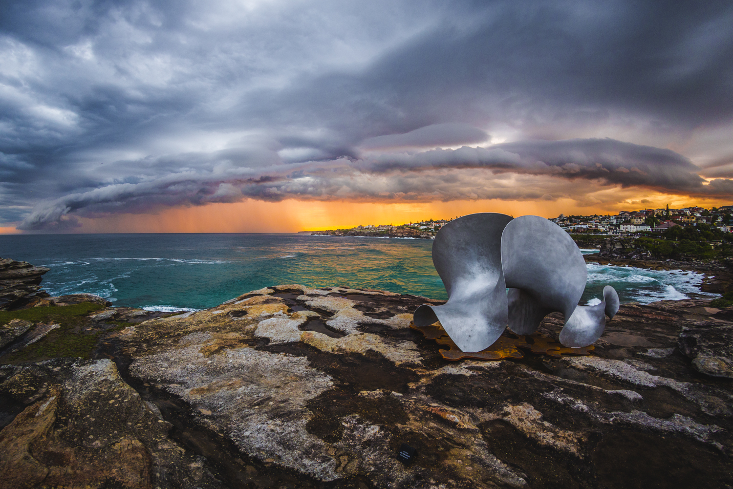 Benjamin Storch, undulation, Sculpture by the Sea, Bondi 2015. Photo Jessica Wyld