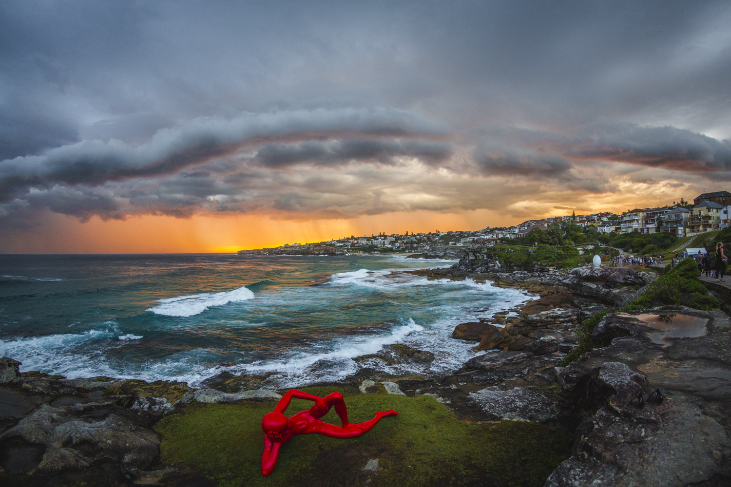 Chen Wenling, harbour, Sculpture by the Sea, Bondi 2015. Photo Jessica Wyld