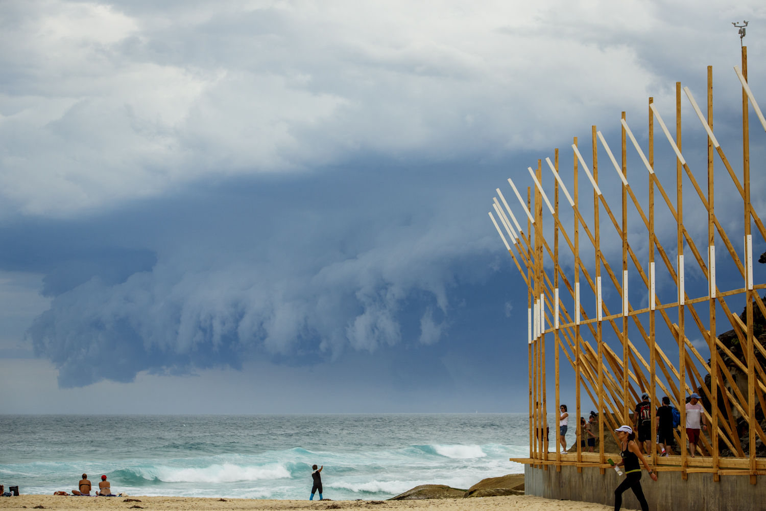 Mano Ponnambalam, repetitive structures, Sculpture by the Sea, Bondi 2015. Photo Jessica Wyld
