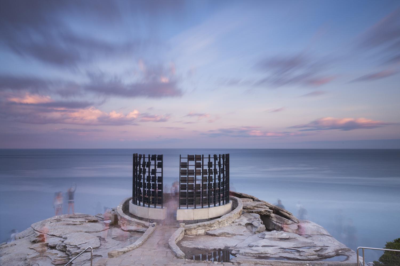 Matthew Asimakis, Clarence Lee & Caitlin Roseby, half gate, Sculpture by the Sea, Bondi 2015. Photo Meredith Schofield