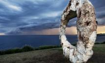 Peter Lundberg. open, Sculpture by the Sea, Bondi 2015. Photo Meredith Schofield.