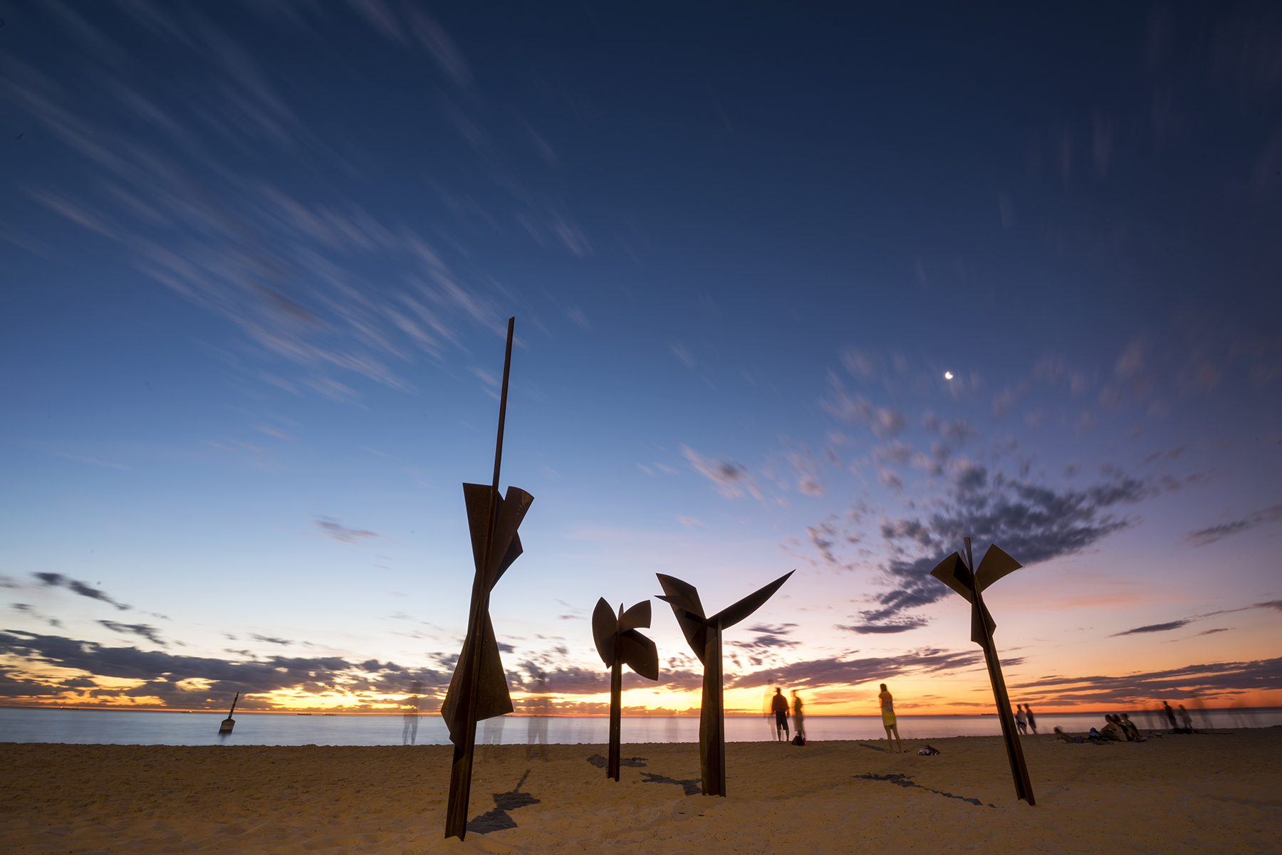 Robert Juniper AM (1929 – 2012), Xanthorrhoea and Tree Form, Sculpture by the Sea, Cottesloe 2016. Photo Lauren Bath