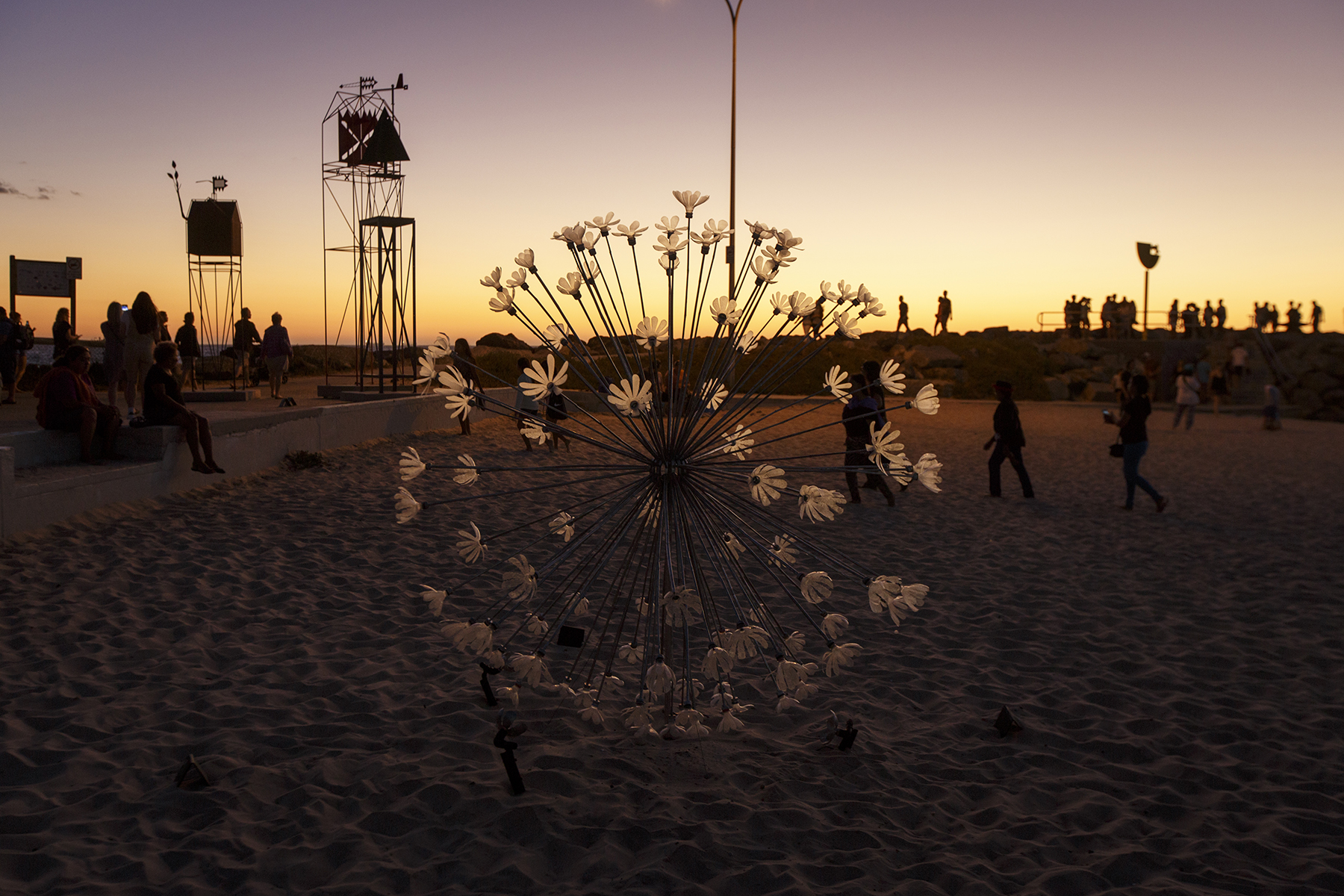 Pamela Lee Brenner & Johannes Muljana (NSW), Bubble, Sculpture by the Sea, Cottesloe 2016. Photo Jessica Wyld