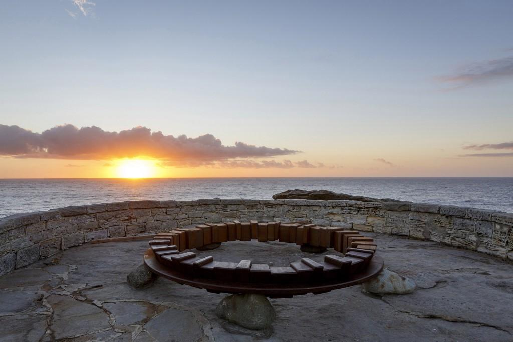 Tetsuro Yamasaki, Circle on the Earth, Sculpture by the Sea, Bondi 2017. Photo Jessica Wyld.