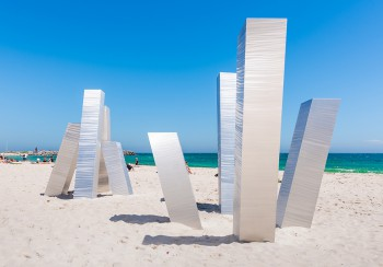 Aliesha Mafrici, Statis III, Sculpture by the Sea, Cottesloe 2017. Photo - Richard Watson2