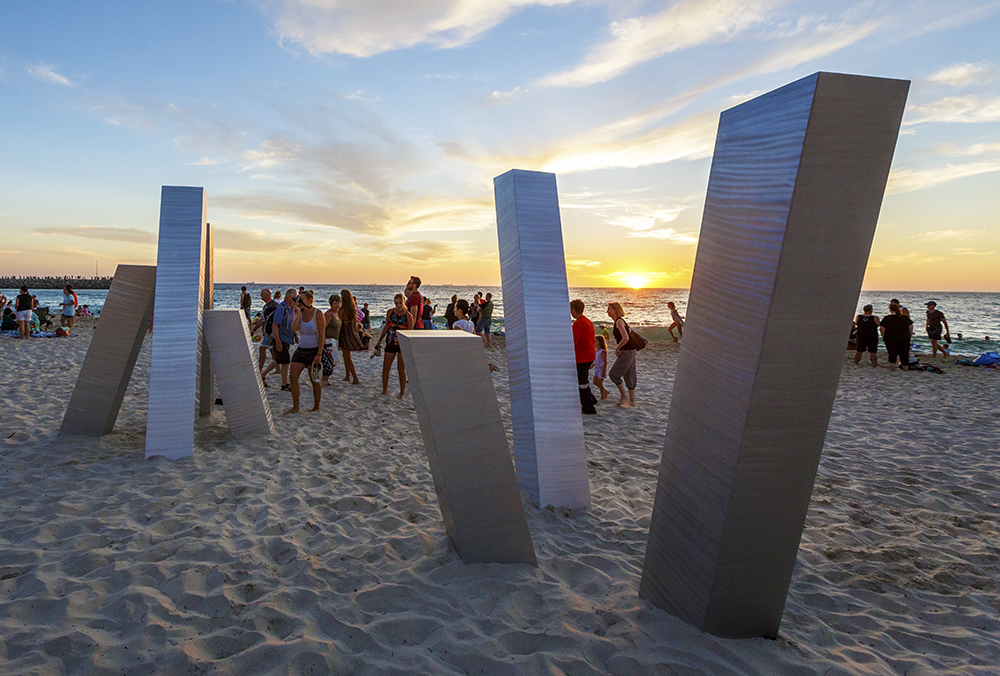 Aliesha Mafrici_Stasis III_Sculpture by the Sea_Cottesloe 2017_Photo Jessica Wyld 004-2