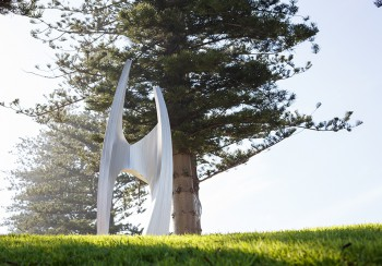 R.M_Ron Gomboc_Edifice_Edify_Sculpture by the Sea_Cottesloe 2017_Photo Jessica Wyld 001