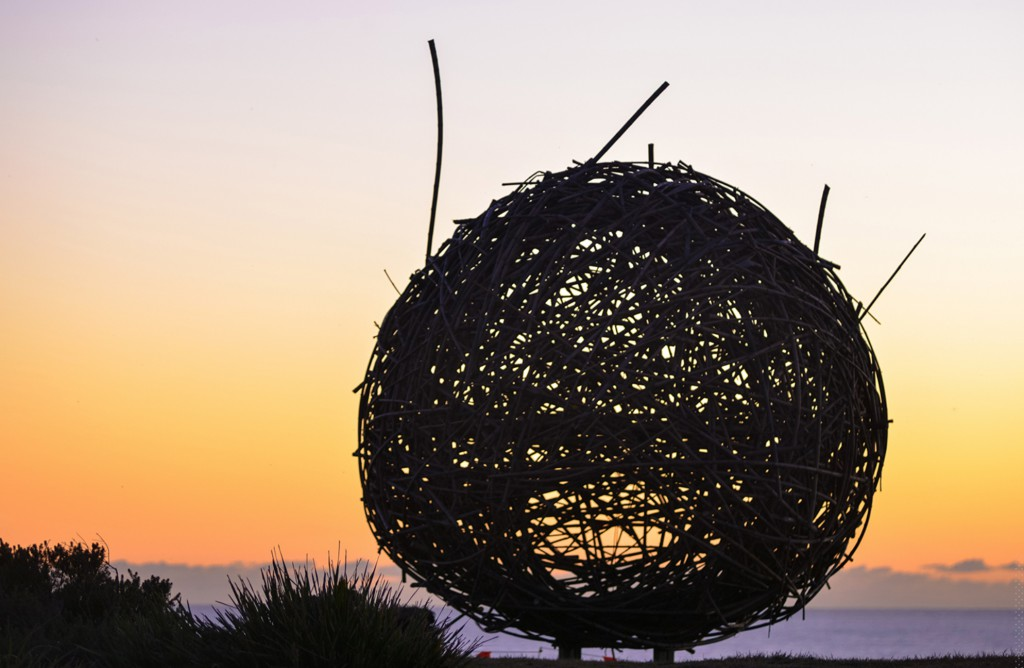 Cave Urban, The Golden Hour, Sculpture by the Sea, Bondi 2016. Photo Clyde Yee